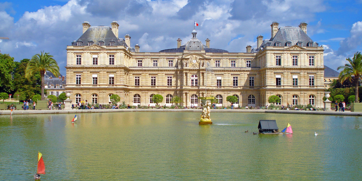 Luxembourg Palace view from the garden by Felipe de la Fuente Diaz